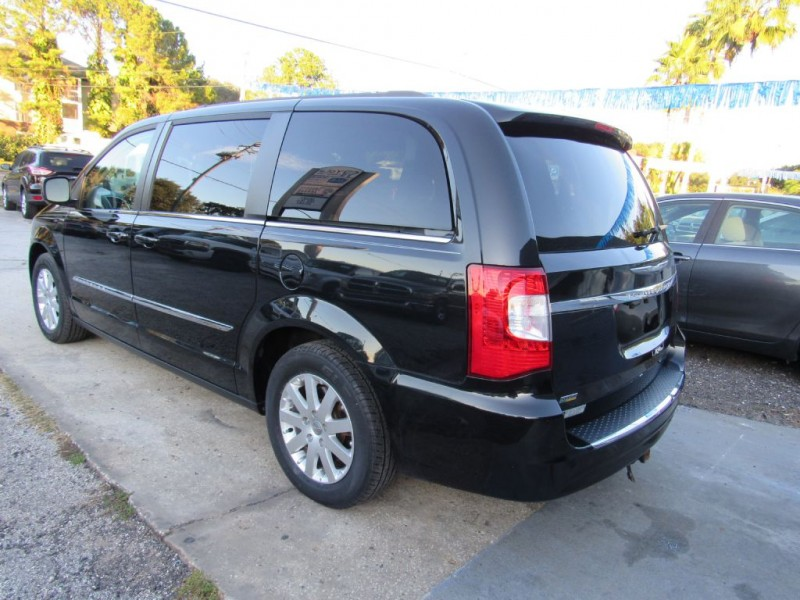 CHRYSLER TOWN & COUNTRY 2015 price $12,495