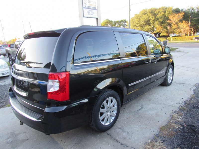 CHRYSLER TOWN & COUNTRY 2015 price $13,495
