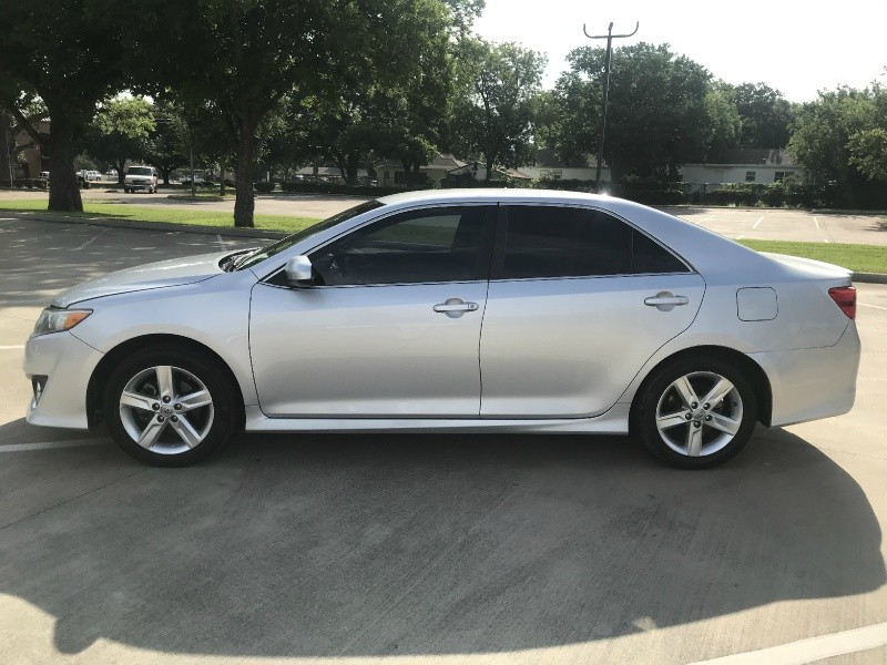 Toyota Camry 2014 price $9,500
