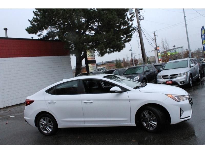 Hyundai Elantra 2019 price $23,889