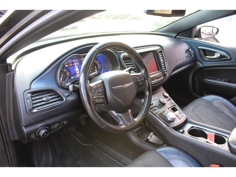 Chrysler 200 2015 price $14,889
