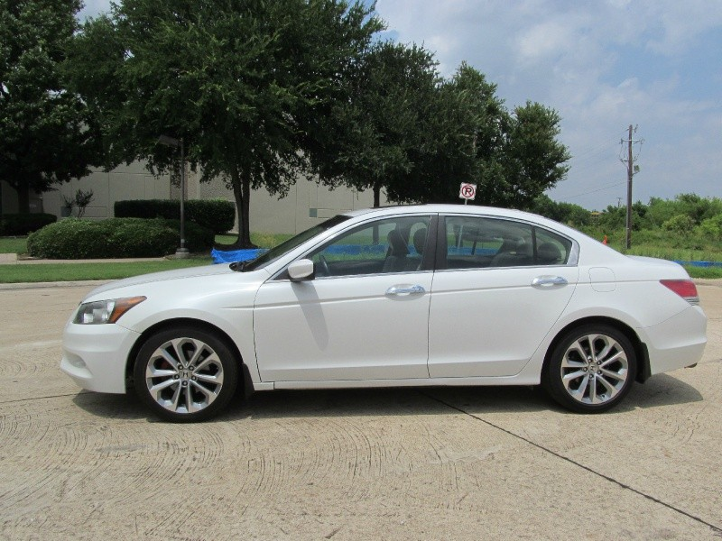 Honda Accord Sdn 2011 price $9,000