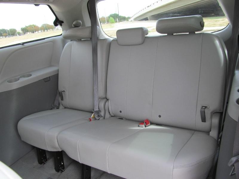 Toyota Sienna 2011 price $12,000
