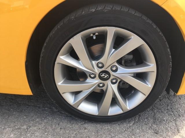 Hyundai Veloster 2016 price $11,479
