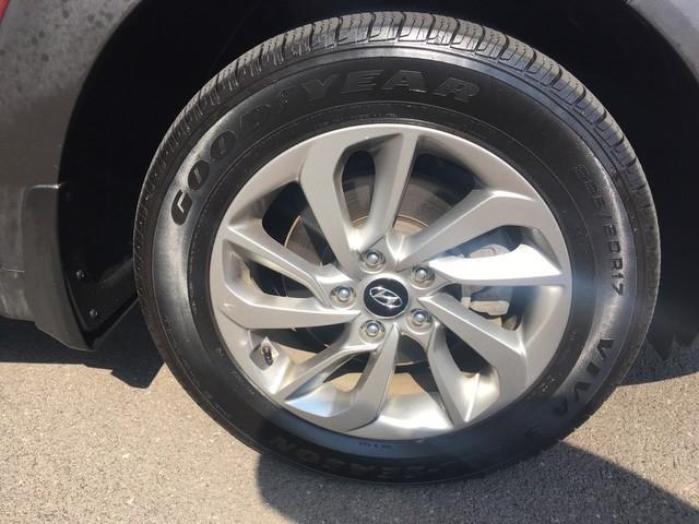 Hyundai Tucson 2016 price $15,979