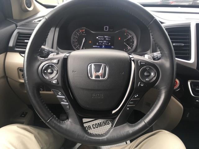 Honda Pilot 2017 price $25,979