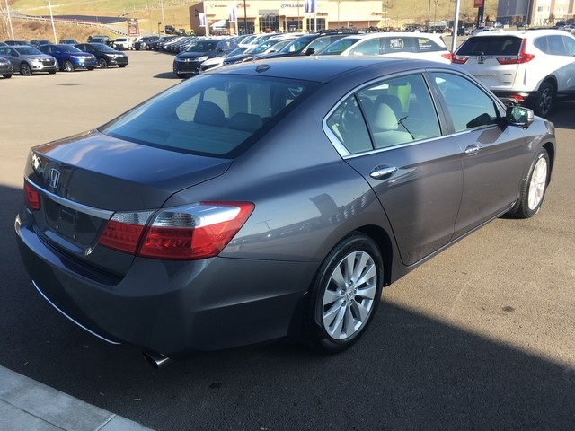 Honda Accord Sedan 2015 price $17,979