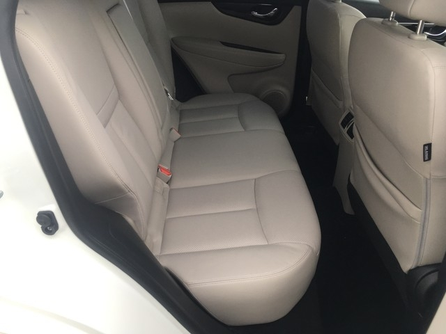 Nissan Rogue Sport 2017 price $18,979