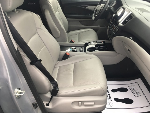 Honda Pilot 2016 price $27,979
