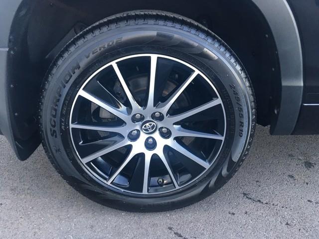 Toyota Highlander 2017 price $30,979