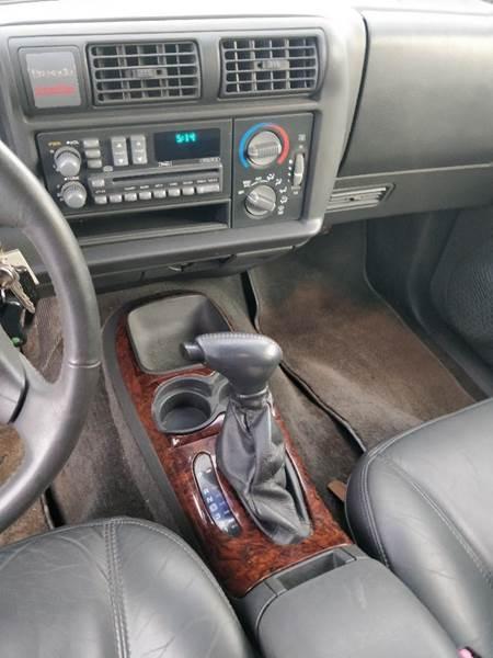 Oldsmobile Bravada 1996 price $2,500