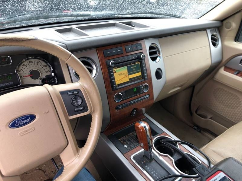 Ford Expedition EL 2009 price $10,995