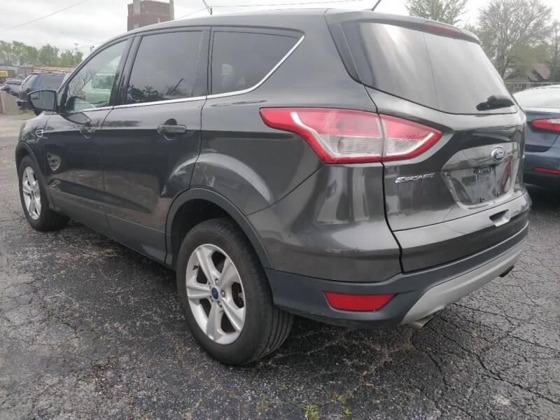 Ford Escape 2016 price $10,995