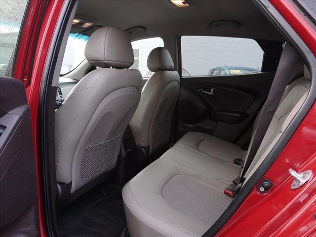 Hyundai Tucson 2015 price $14,995