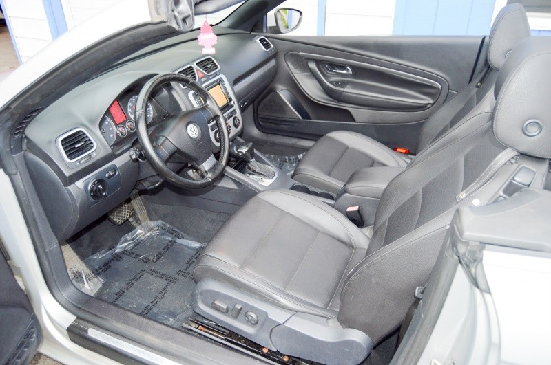 Volkswagen Eos 2009 price $6,990