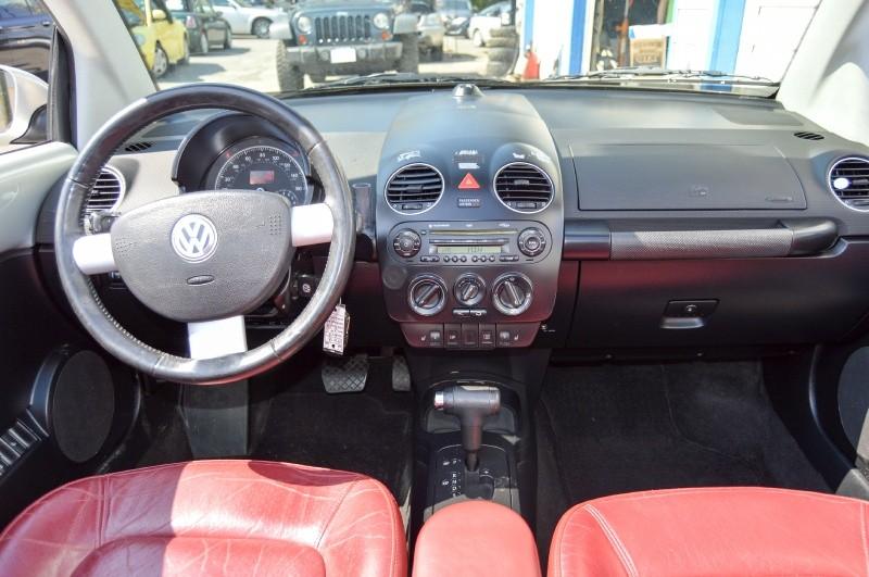 Volkswagen New Beetle Convertible 2009 price $6,490