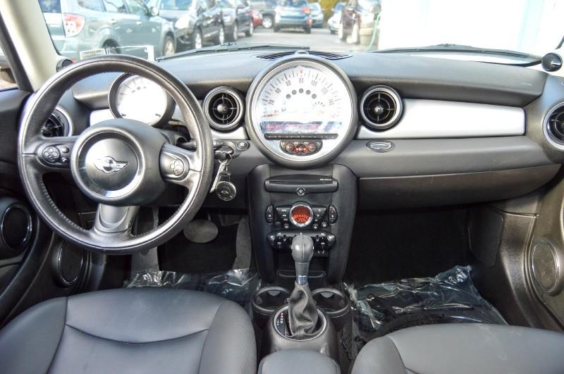 Mini Cooper Hardtop 2011 price $7,490