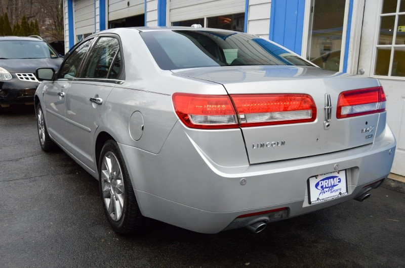Lincoln MKZ 2012 price $10,990
