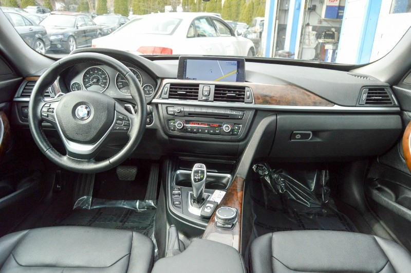 BMW 3-Series 2015 price $15,499