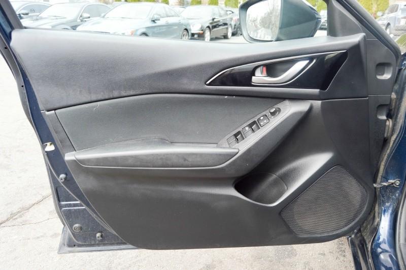 Mazda 3 2014 price $9,899