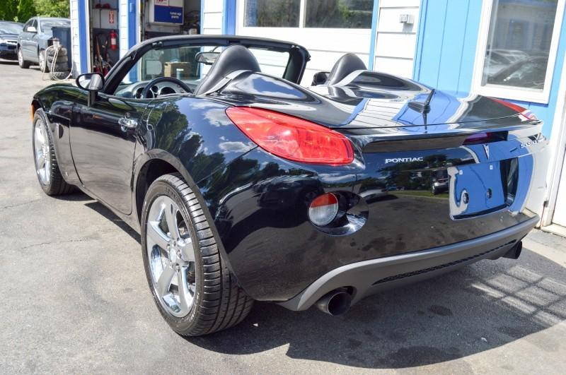 Pontiac Solstice 2008 price $9,990
