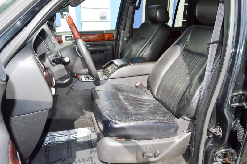Lincoln Navigator 2006 price $5,990