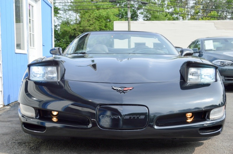 Chevrolet Corvette 2001 price $14,990