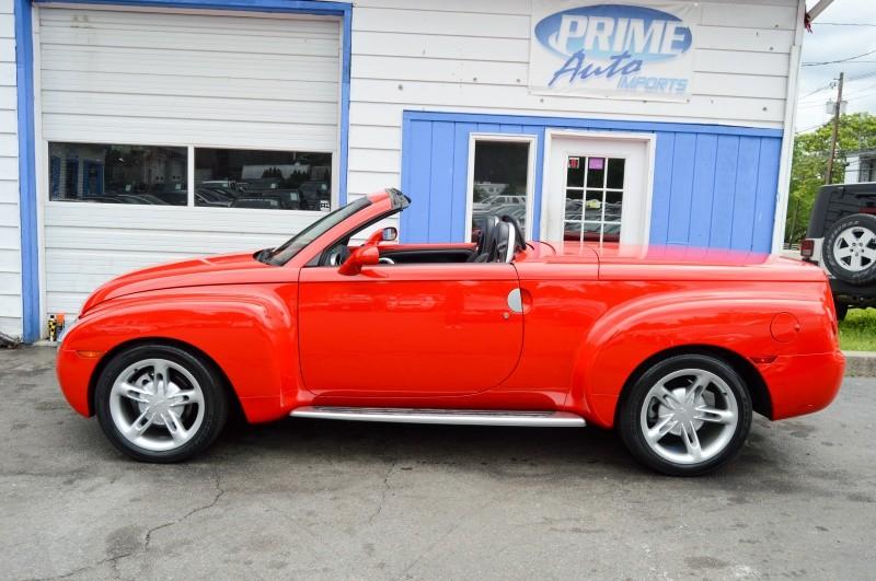 Chevrolet SSR 2004 price $24,990