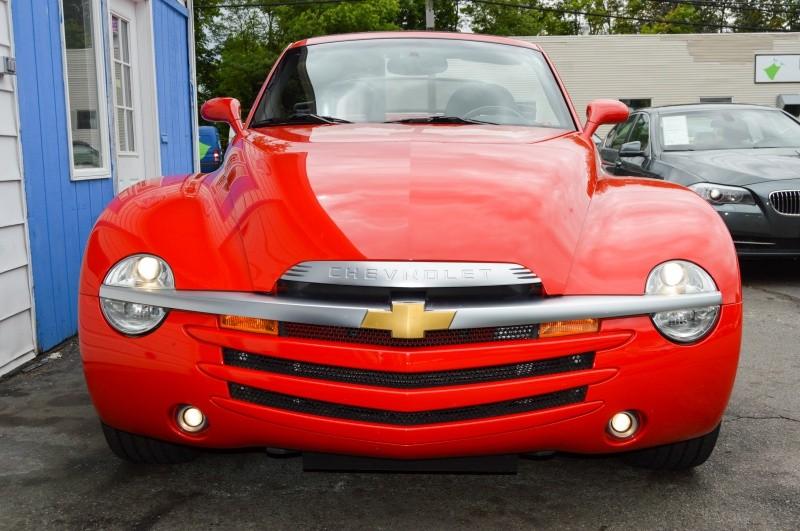 Chevrolet SSR 2004 price $22,990