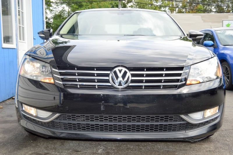 Volkswagen Passat 2012 price $9,990