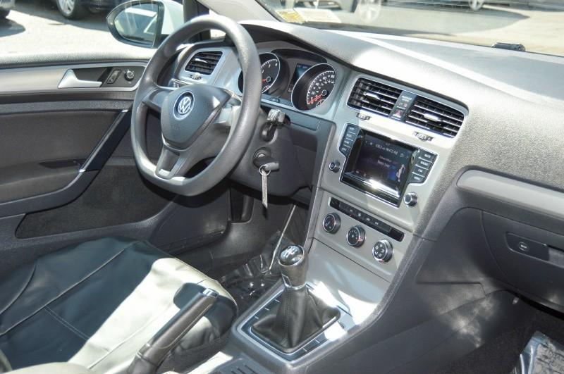 Volkswagen Golf 2015 price $10,480