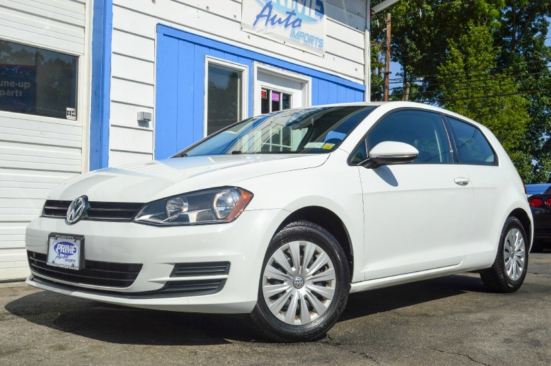 Volkswagen Golf 2015 price $9,480
