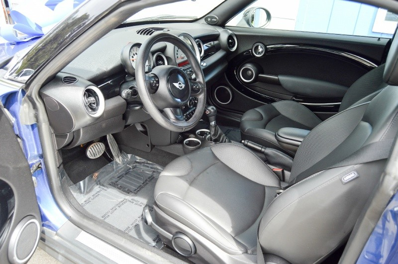 Mini Cooper Coupe 2013 price $10,480