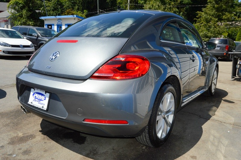Volkswagen Beetle Coupe 2013 price $9,980
