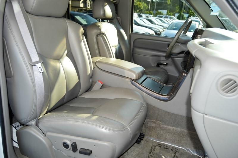 GMC Yukon XL Denali 2006 price $8,980