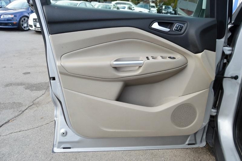 Ford Escape 2013 price $10,990