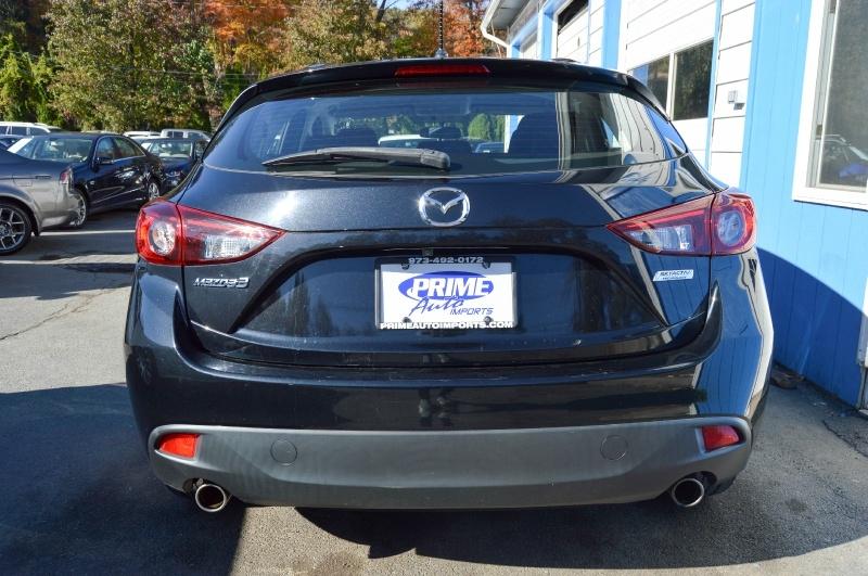 Mazda Mazda3 2015 price $11,990
