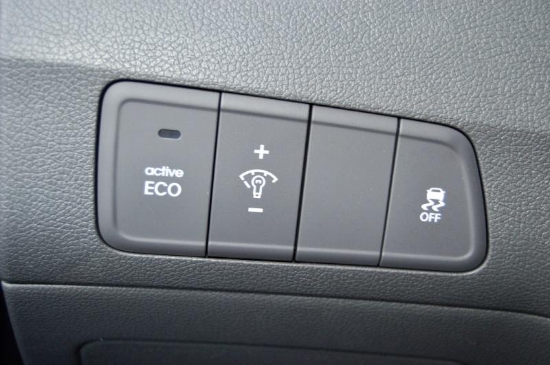 Hyundai Elantra 2013 price $6,490