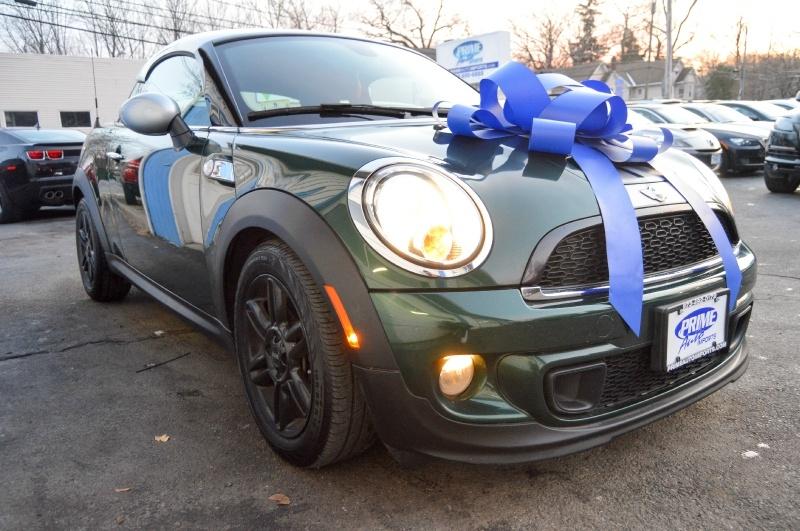 Mini Cooper Coupe 2013 price $10,290