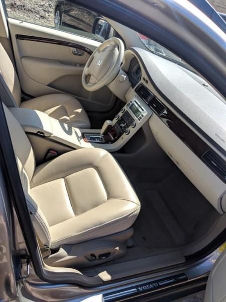 Volvo XC70 2008 price $7,999