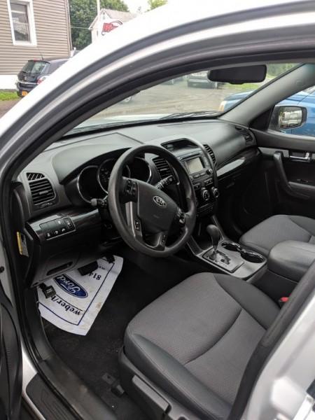 Kia Sorento 2013 price $9,995