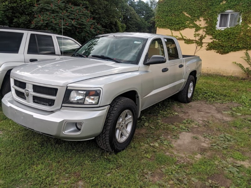 Dodge Dakota 2010 price $7,995