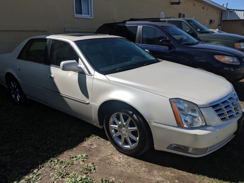 Cadillac DTS 2011 price $6,995