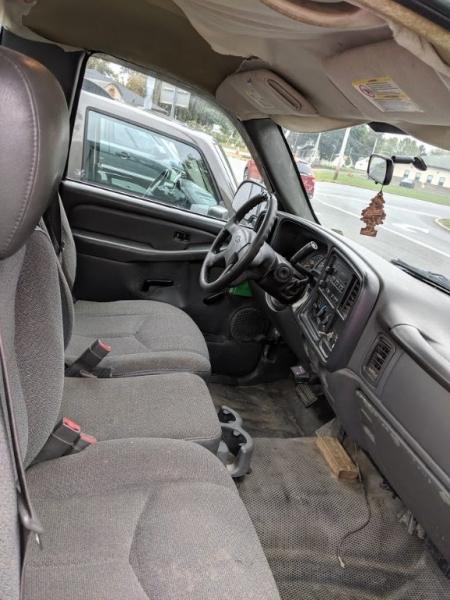 Chevrolet Silverado 2500HD 2004 price $5,995