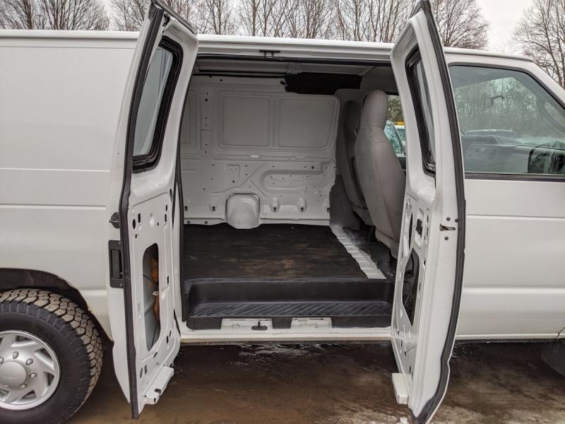 Ford Econoline Cargo Van 2009 price $9,995