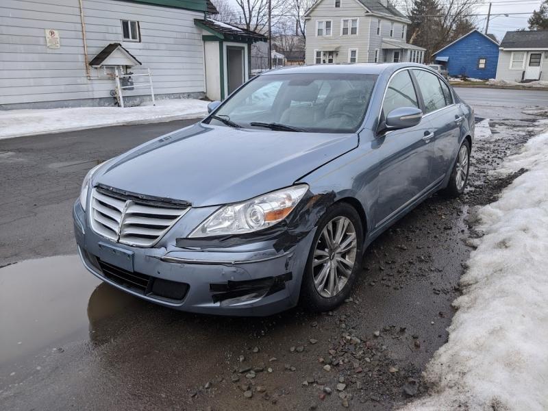 Hyundai Genesis 2011 price $6,995