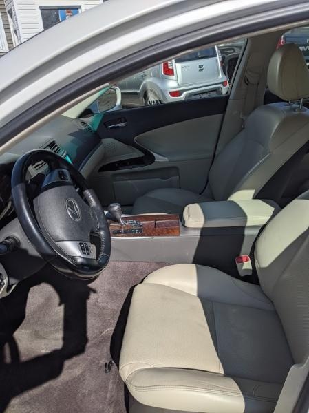 Lexus IS 250 2012 price $7,995