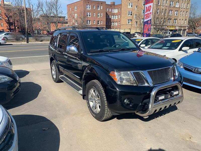 Nissan Pathfinder 2011 price $9,999