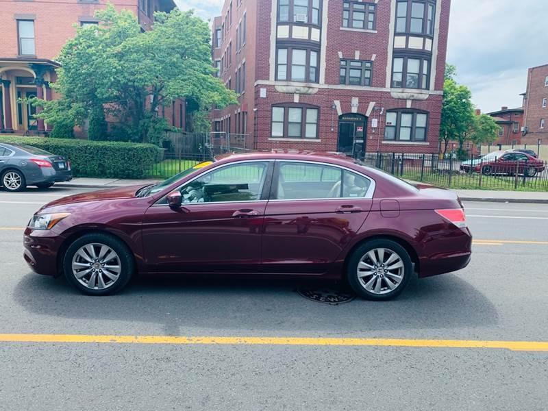 Honda Accord 2012 price $8,999