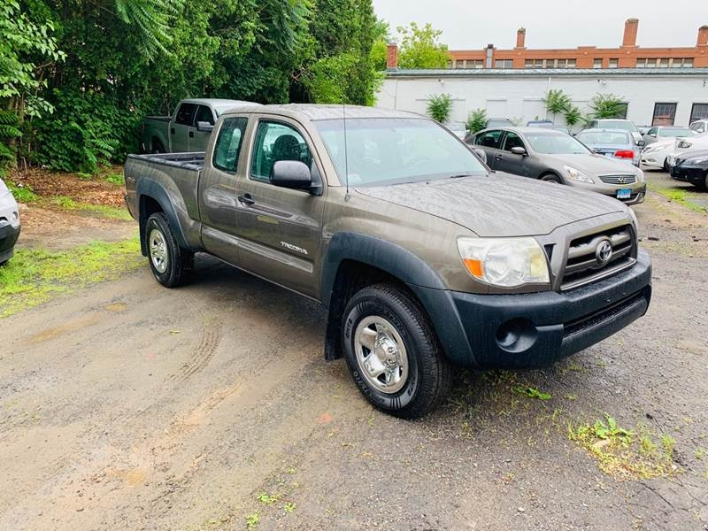 Toyota Tacoma 2009 price $9,999